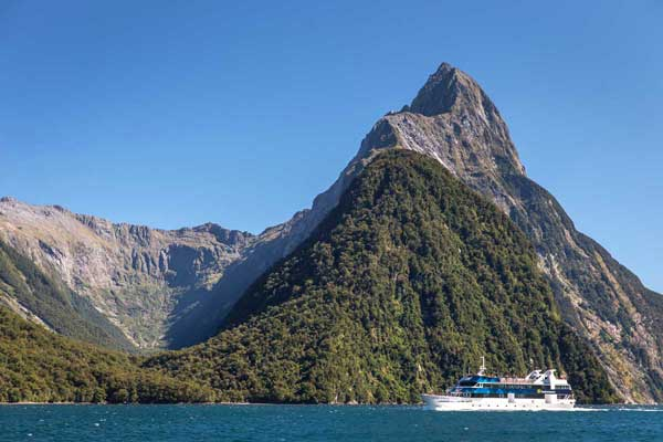 Real Journeys Milford Sound Scenic Cruises