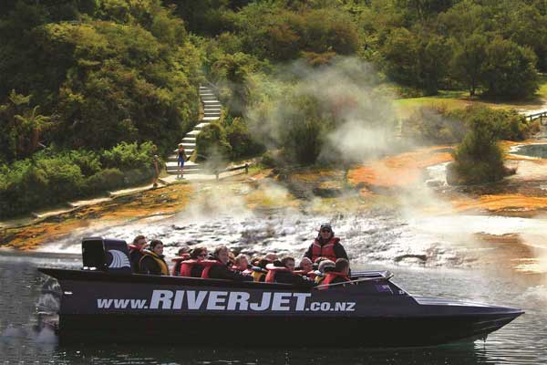 21 Day New Zealand Wild West Package