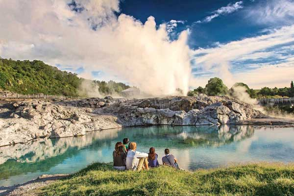 10 Day Iconic New Zealand Holiday Package