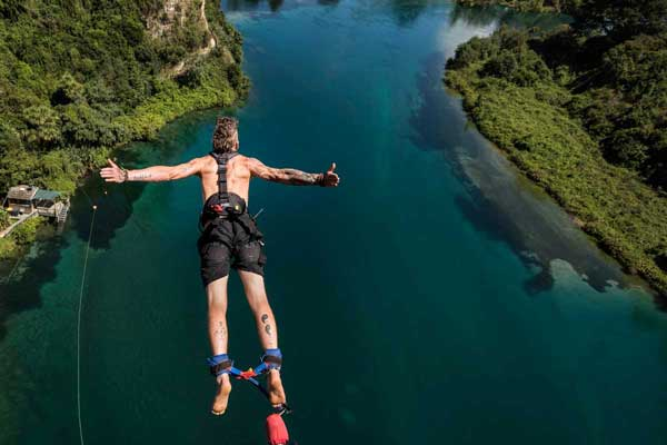 14 Day New Zealand Adventure Holiday Package